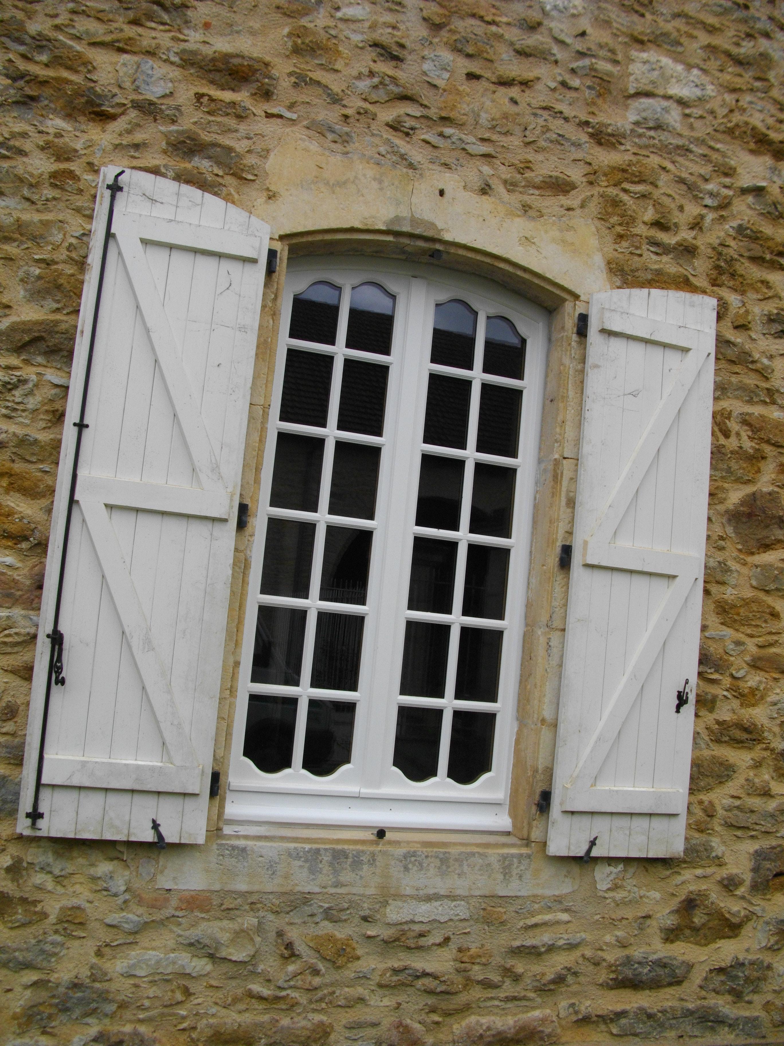 Fen tre style r gence double vitrage petit bois for Fenetre double vitrage bois