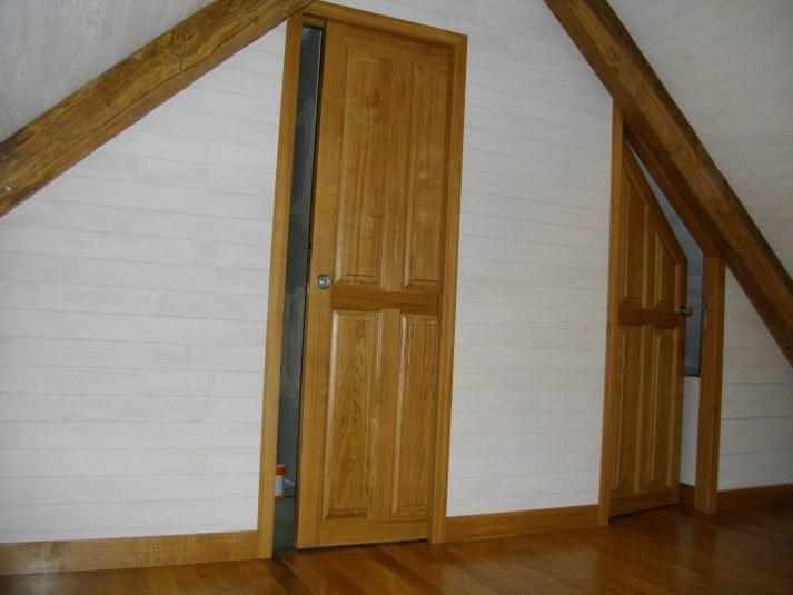 porte galandage porte de dressing sous rampant ch ne massif parquet et lambris secteur. Black Bedroom Furniture Sets. Home Design Ideas